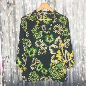 🌿🌼BANANA REPUBLIC 🌼🌿 decorative blouse